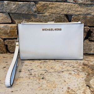 NEW Michael Kors wristlet wallet